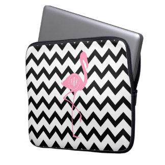 Roze Flamingo met monogram + Zwarte Chevron Laptop Sleeve