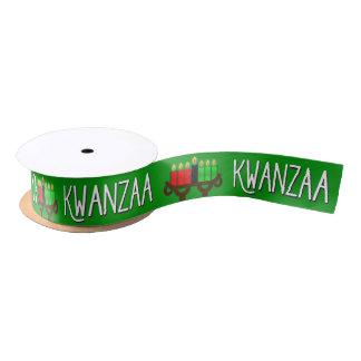 Ruban En Satin Kwanzaa avec des bougies de Kinara de Lit sur le