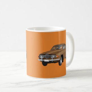 Saab 96, brun, mug blanc