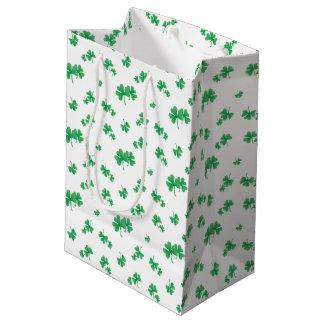 Sac Cadeau Moyen Motif irlandais vert de shamrock de gradient