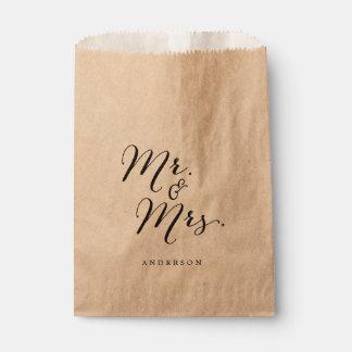 Sachets En Papier Mariage de M. et de Mme Classic Script Calligraphy