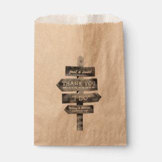 Sachets En Papier Mariage personnalisé par pays en bois rustique de
