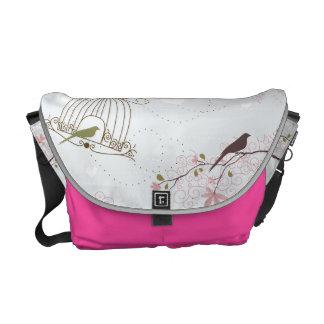 Sacoches rose de sac de cage à oiseaux et de fleurs de