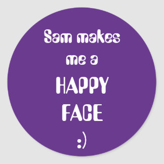 Sam me fait un visage heureux sticker rond
