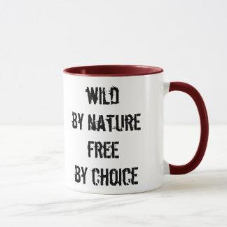 Sauvage par nature, libérez par choix mug