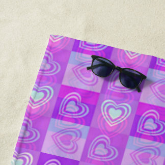 Serviette De Plage Coeurs pourpres Checkered