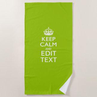 Serviette De Plage Gardez le calme et votre texte sur le vert de