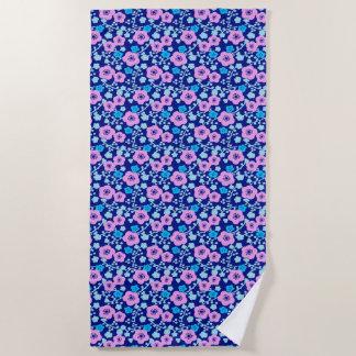Serviette De Plage Prune japonaise riche de motif floral bleu et rose