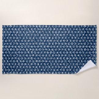 Serviette De Plage Tessellation géométrique de Shibori de bleu marine