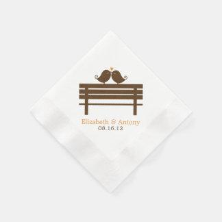 Serviette En Papier Inséparables sur le banc de parc {orange}