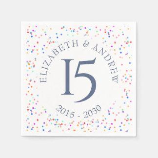 Serviette En Papier Tous confettis d'arc-en-ciel d'anniversaire