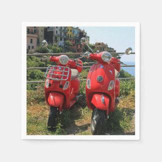 Serviette Jetable Deux vélomoteurs rouges