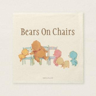 Serviette Jetable Grands ours de Brown et chaises de la part quatre