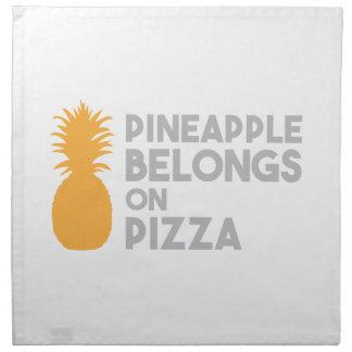 Serviettes De Table L'ananas appartient sur la pizza
