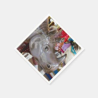 Serviettes En Papier Tour de carrousel de rhinocéros sur le manège