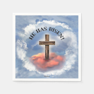Serviettes Jetables Il a la croix rocailleuse levée avec des nuages