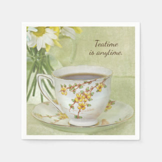 Serviettes Jetables thé dans la tasse de thé vintage sur la soucoupe