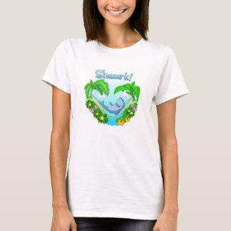 Shaaark dans un T-shirt de blanc de dames d'hamac