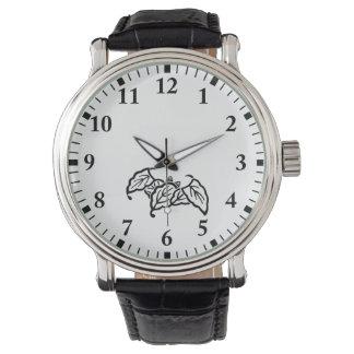 Shadowed batte-a formé le feuille de chêne montres bracelet