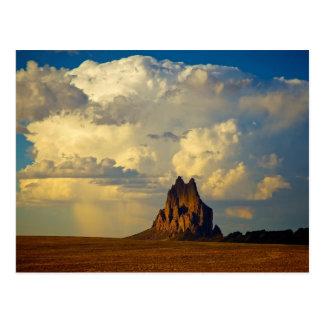 Shiprock contre le cumulo-nimbus carte postale