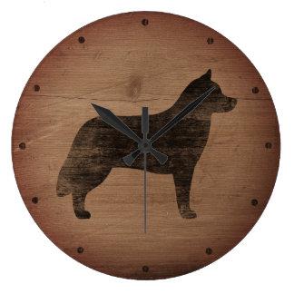 Silhouette de chien de traîneau sibérien rustique grande horloge ronde