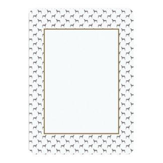 Silhouettes grises de Weimaraner sur l'arrière - Carton D'invitation 12,7 Cm X 17,78 Cm