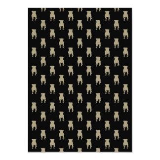 Silhouettes kaki de carlin sur l'arrière - plan carton d'invitation  11,43 cm x 15,87 cm