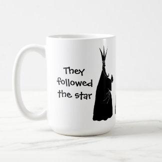 Silhouettez les sensations, elles a suivi l'étoile mug