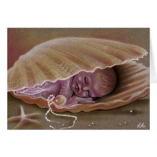 Sirène de bébé dormant dans la CARTE de coquille