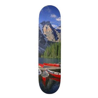 Skateboard 19,7 Cm Le Canada, Alberta, lac moraine. Les canoës rouges