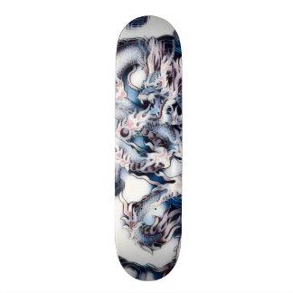 Skateboard Le dragon urbain s'est fané panneau fait sur