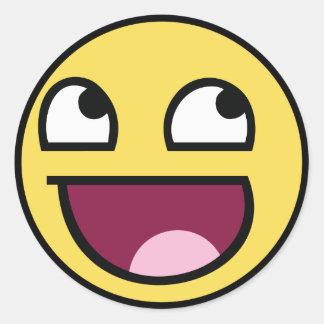 Smiley impressionnant de visage sticker rond
