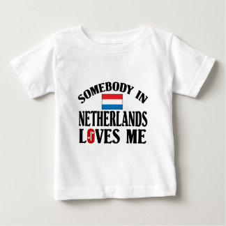 Somebody in Nederland houdt van me Baby T Shirts