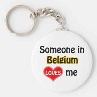 Someone dans Belgium Loves me Porte-clé Rond