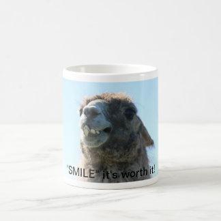 """""""Sourire"""" il le vaut ! Mug Blanc"""