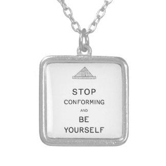 Soyez vous-même collier