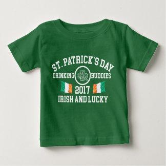 St Patrick : Célébrez T-shirt Pour Bébé
