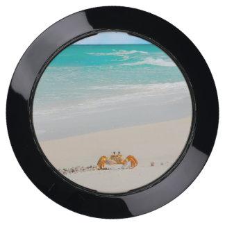 Station De Chargement USB Crabe mignon sur une plage tropicale