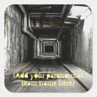 Sticker Carré Ajoutez le nom paranormal de votre équipe à cet