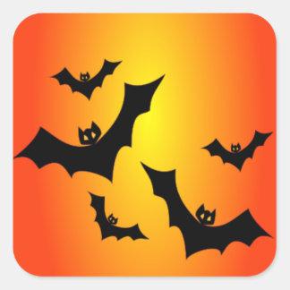 Sticker Carré Battes de Halloween d'amusement sur jaune et