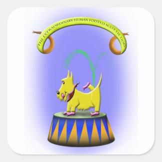 Sticker Carré le chien aux pieds humain extraordinaire de