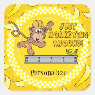Sticker Carré Monkeying juste autour le thème de baby shower