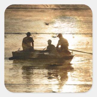Sticker Carré Pêche primitive de canoë de bateau de lac de pays