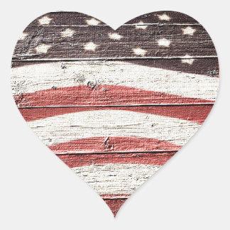 Sticker Cœur Drapeau américain peint sur la texture en bois