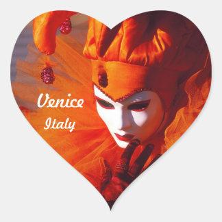 Sticker Cœur Harlequin vénitien dans le costume orange de