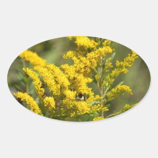 Sticker Ovale Fleurs sauvages dorés
