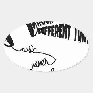 Sticker Ovale Rockin à un air différent - la musique ne dort