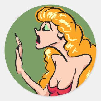 Sticker Rond Actrice blonde dramatique