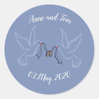 Sticker Rond Anneaux d'or de colombes épousant autour de