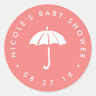 Sticker Rond Baby shower de corail et blanc de parapluie